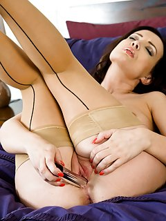 Milf in Stockings Porn Pics